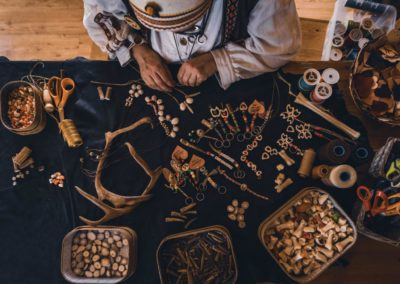 Arktista Vimmaa pursuaa taidetta ja paikalliskulttuuria